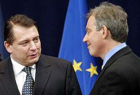 Český premiér Jiří Paroubek abritský premiér Tony Blair na bruselském summitu Evropské unie, foto: ČTK