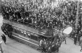 Celebraciones de la proclamación de la II República en Barcelona, fuente: CC BY-SA 3.0 de / Archivos Federales de Alemania