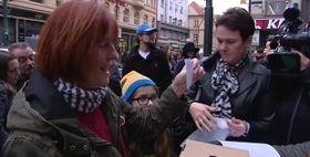 Happening in der Narodní třída (Foto: ČT24)
