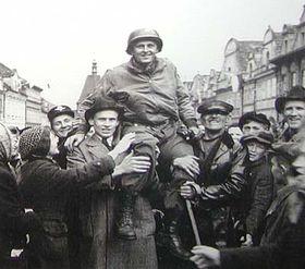 Генерал Паттон в городе Пльзень