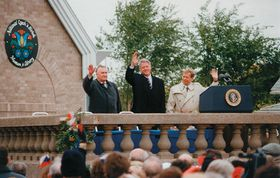 Presidents of Czech Republic, Slovakia and USA dedicate National Czech and Slovak Museum in Cedar Rapids, photo: Baculis1, CC BY-SA 3.0