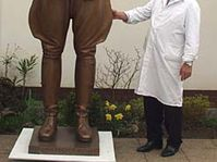 Jaroslav Bocker with the statue of General Patton