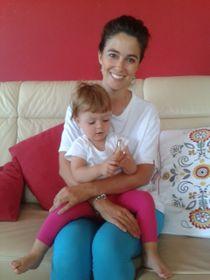 Rita Juklová con una de sus hijas, foto: Ana Briceño