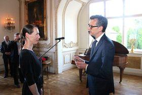 Markéta Perroud a été faite Chevalier dans l'Ordre des Arts et de Lettres à l'ambassade de France à Prague, photo: Site officiel de l'ambassade de France