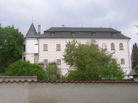 Zámek ve Slatiňanech, foto: Miaow Miaow / public domain