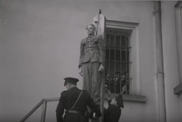 Hinrichtung von Karl Hermann Frank (Foto: YouTube)