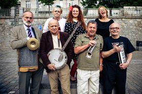 Иван Младек (второй слева) и его Banjo band, фото: веб-сайт Ивана Младека
