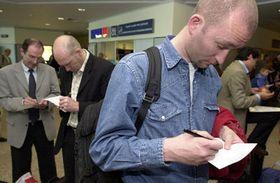 Medidas preventivas en el aeropuerto Ruzyne de Praga, foto: CTK
