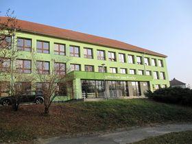 Gymnasium in Slavičín (Foto: palickap, Wikimedia Commons, CC BY 3.0)