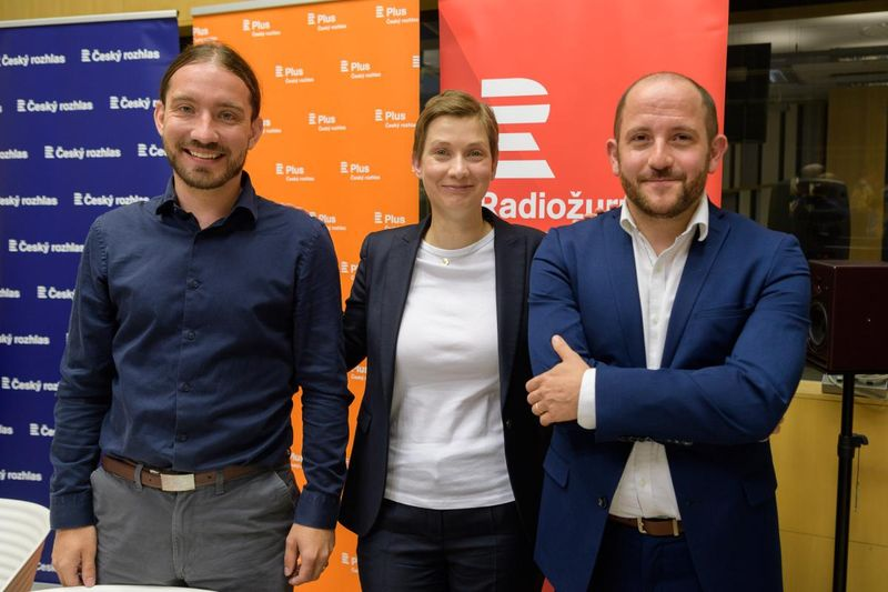De izquierda: Martin Buchtík, Paulína Tabery y Daniel Prokop, foto: Khalil Baalbaki, ČRo