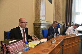 El primer ministro saliente, Bohuslav Sobotka el ministro de finanzas anterior, Andrej Babiš, foto: archivo de la Agencia del Gobierno Checo