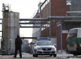 The factory in Ütersen, Germany, suspected of contamination of animal feed by dioxins, photo: CTK