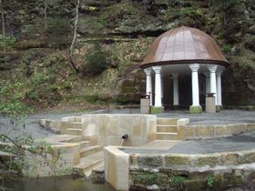 La Fuente de Zdislava después de la reconstrucción, foto: presentación oficial de la ciudad Jablonné v Podještědí