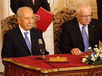 Simon Peres y Václav Klaus (derecha), foto: Christian Falvey