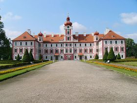 Palacio de Mnichovo Hradiste, foto: Lukáš Kalista, CC BY-SA 4.0 International