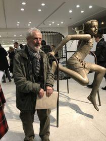 Скульптор Курт Гебауэр со своим произведением, фото: Ольга Васинкевич
