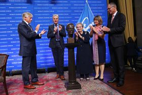 Lee Bollinger, president of Columbia, Joseph Balaz, Bohemian Benevelont and Literary Association, Madeleine Albright, scultpor Marie Šeborová, Jan Švejnar: courtesy Columbia University