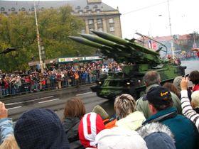 Military parade on Evropská St. in 2008, photo: Barbora Němcová
