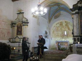 Tomas van Zavrel in der Kirche St. Maurenzen (Foto: Martina Schneibergová)