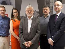 Лауреаты премии «Чешская голова», в центре Иржи Форейт, Фото: ЧТК