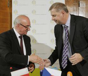 Польский министр Станислав Калемба и чешский министр Петр Бендл (Фото: ЧТК)