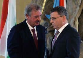 Жан Асселборн и Любомир Заоралек (Фото: ЧТК)