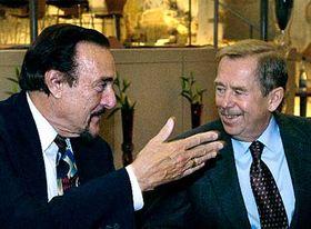 Philip Zimbardo and Vaclav Havel, photo: CTK