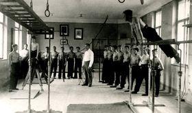Na gymnázium nechyběla ani výuka tělocviku, foto: archiv Muzea Moravská Třebová