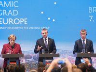 De izquierda: Angela Merkel, Peter Pellegrini y Andrej Babiš, foto: ČTK/Mikula Martin