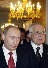 Presidente ruso, Vladimir Putin (a la izquierda) y su homólogo checo, Václav Klaus (Foto: CTK)