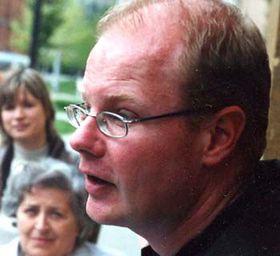 DAAD-Lektor Winfried Adam bei einführenden Worten