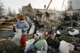 Руины здания в Донецке после артиллерийского обстрела, Фото: ЧТК