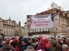 Tausende demonstrieren für unabhängige Justiz (Foto: Martina Schneibergová)