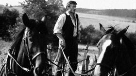 Radoslav Brzobohatý en la película 'Všichni dobří rodáci'