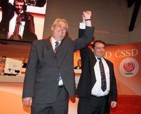 Miloš Zeman sJiřím Paroubkem (vpravo), foto: ČTK
