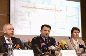 De izquirda: Milan Chovanec, Tomáš Tuhý y Michaela Hýbnerová, foto: ČTK