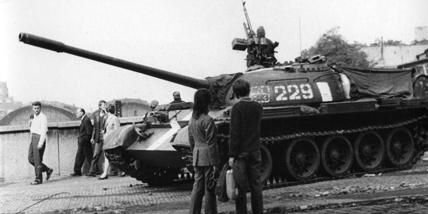 Tank na Vinohradské třídě, foto: František Dostál, Wikimedia Commmons, CC BY-SA 4.0