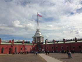 Нарышкин бастион и Флажная башня, фото: Катерина Айзпурвит