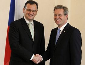 Premierminister Petr Nečas und Bundespräsident Christian Wulff (Foto: ČTK)