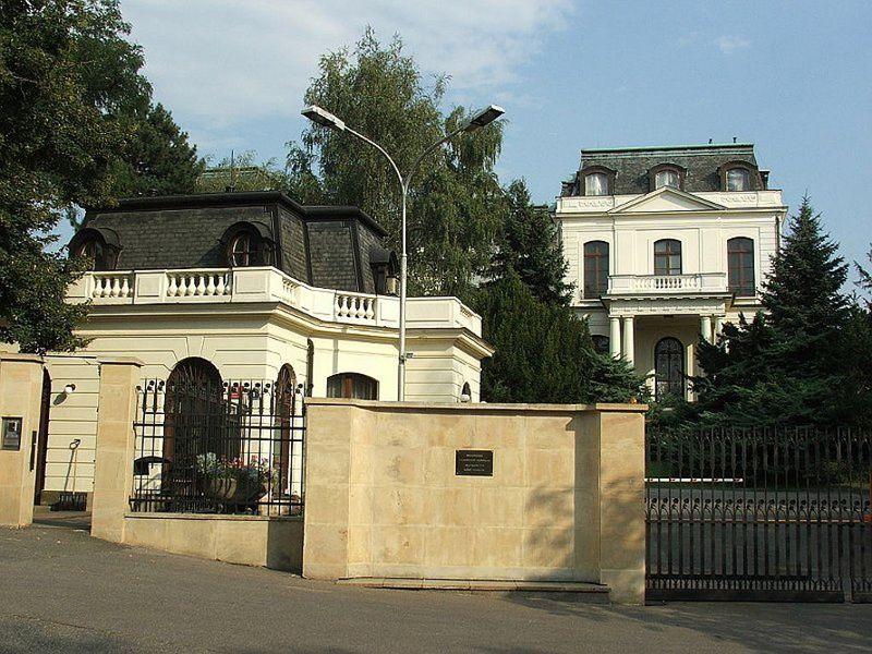 Edificio de la Embajada Rusa en Praga, foto: wikimedia CC BY 2.5