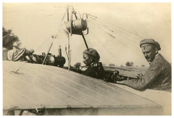 Jan Kašpar avec Jaroslav Kalva sur le vol de Mělník à Prague en 1911, photo: Musée technique national