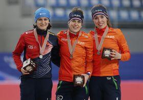 Zleva: Martina Sáblíková, Ireen Wüstová aAntoinette de Jongová, foto: ČTK