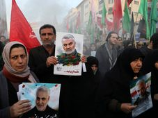 Mourners holding posters of Iranian Gen. Qassem Soleimani attend a funeral ceremony for him and his comrades, Tehran, Iran, January 6, 2020, photo: ČTK/AP/Ebrahim Noroozi