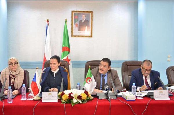 Le groupe des amis de la République tchèque a été fondé le mois dernier au Parlement algérien, Laid Kacem (à droite), photo: MZV ČR