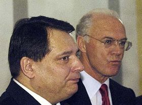 Jirí Paroubek y Franz Beckenbauer  (Foto: CTK)