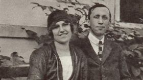 Karel Čapek avec Olga Scheinpflugová, photo: Památník Karla Čapka
