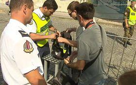 El control de seguridad para el Castillo de Praga, foto: ČT