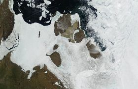 Neusibirische Inseln (Foto: NASA/GSFC, Free Domain)
