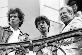 Keith Richards, Mick Jagger, Václav Havel (left to right) in 1990, photo: CTK