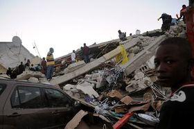 Dans les rues de Port-au-Prince après le séisme, photo: CTK